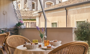 7 Notti in Bed And Breakfast a Catania